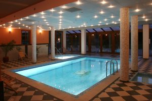 Villavölgy hotel medence