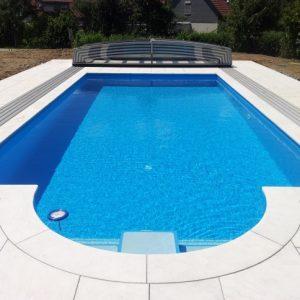 Épített medencék